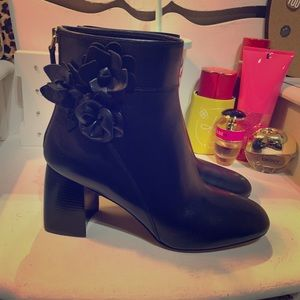 NWOT Tory Burch Blossom Bootie Black Leather Sz 8